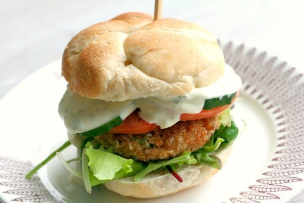 Surinaamse frita burger recept