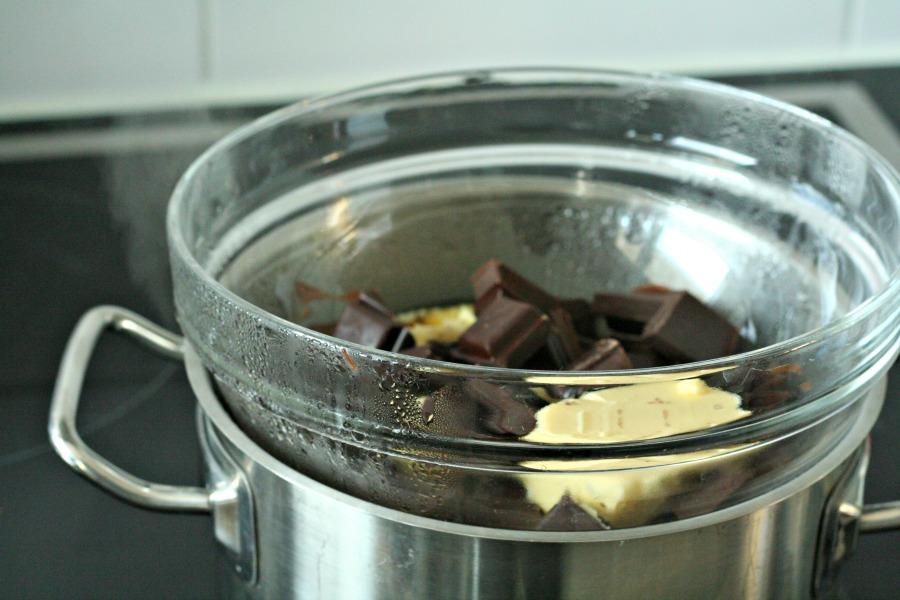 madame jeanette boter-en-chocola-smelten