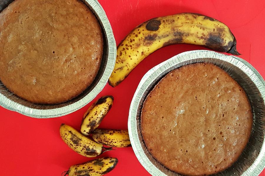 Eten in Suriname bananenbrood