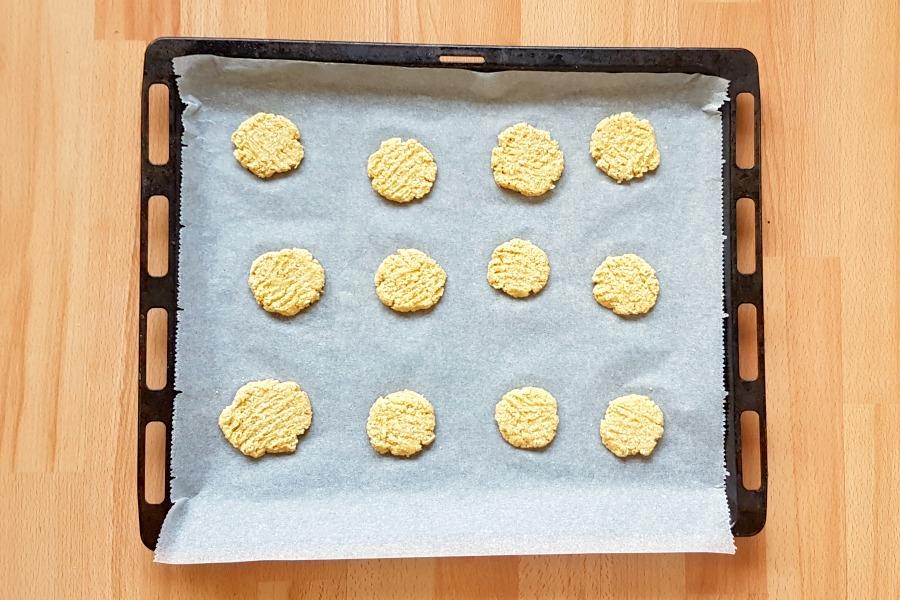 surinaamse-kaaskoekjes-glutenvrij-op-bakplaat-plat