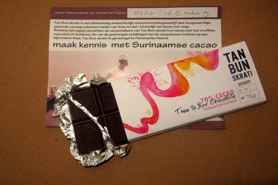 lekkerste-snacks-van-paramaribo-tan-bun-skrati
