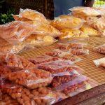 Hier vind je de lekkerste snacks van Paramaribo