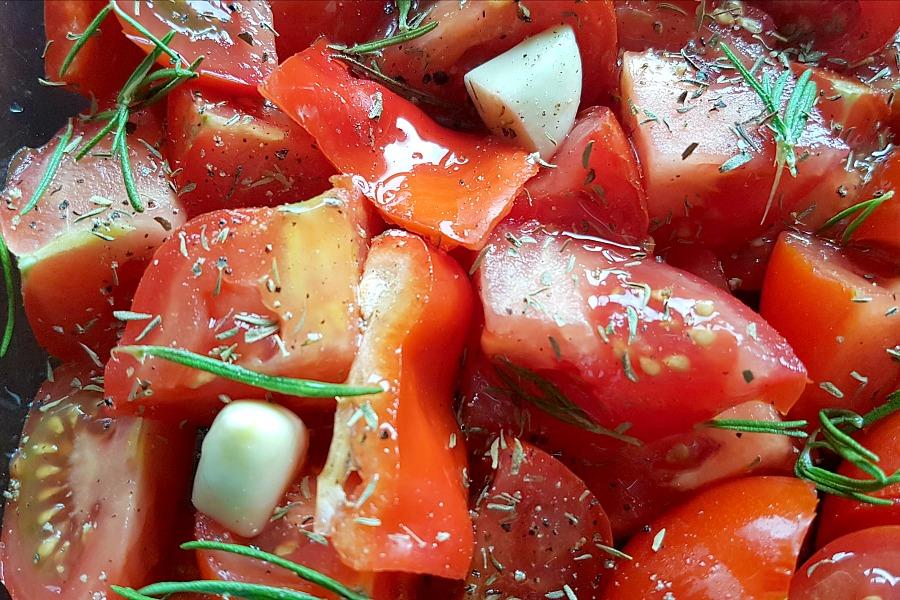 zelfgemaakte-tomatensaus-close