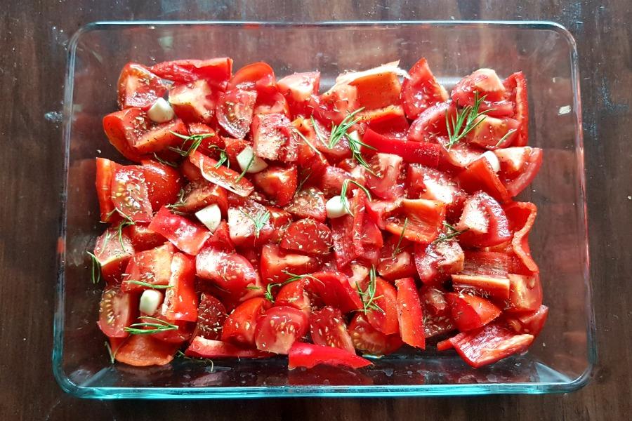zelfgemaakte-tomatensaus-ingredienten