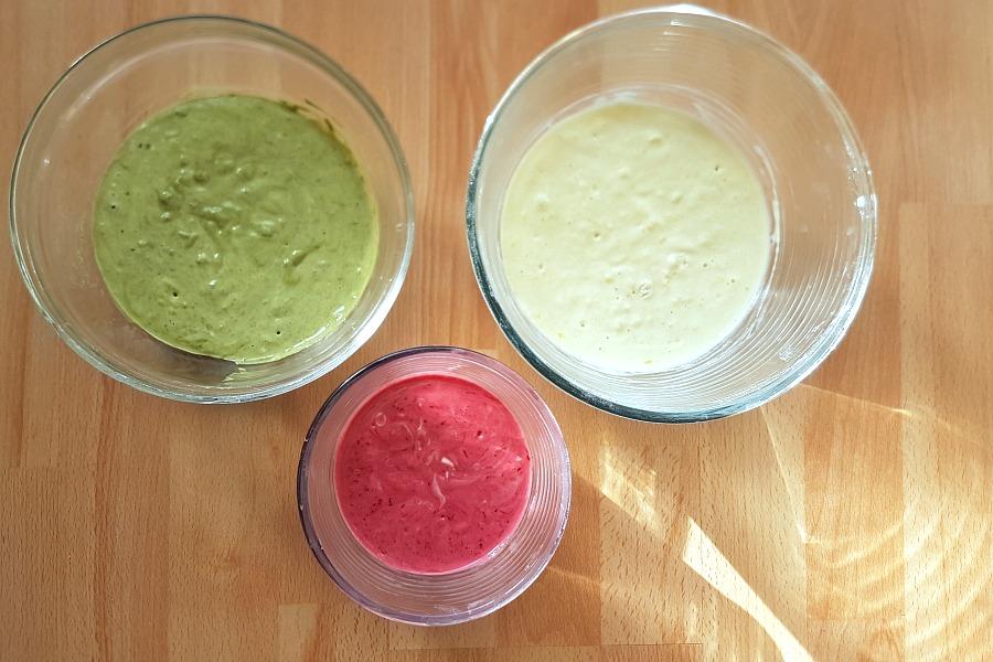 american-pancakes-met-natuurlijke-kleurstoffen-beslag
