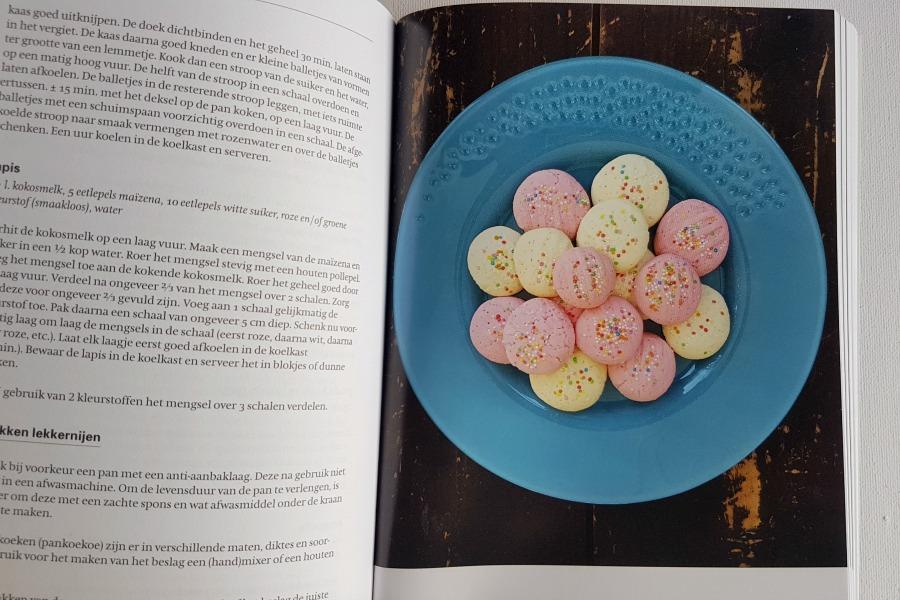 groot-surinaams-kookboek-maizenakoek
