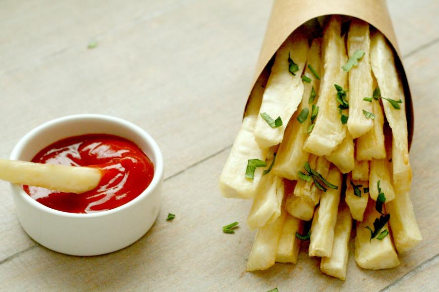 knapperige cassave frietjes uit de oven Surinaamse telo