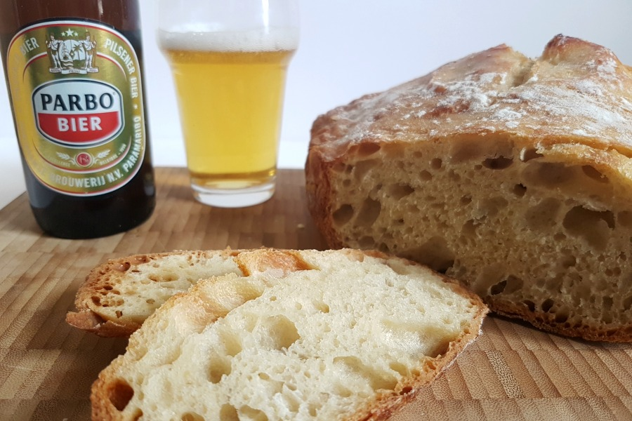 no knead recept bierbrood met Parbo Bier close up