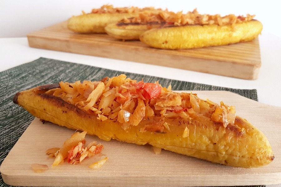 Plantain-boats-bakbanaan-saltfish-recipe