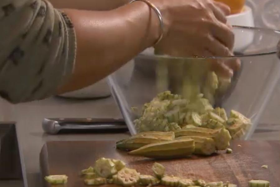 okersoep de leukste Surinaamse recepten van Sharon de Miranda BinnensteBuiten