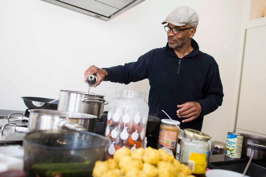 kookboek Happy & Healthy @ Home Roy Silos Surinaamse macrobiotische recepten