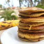 RECEPT: pannenkoeken met bakbanaan (plantain pancakes)