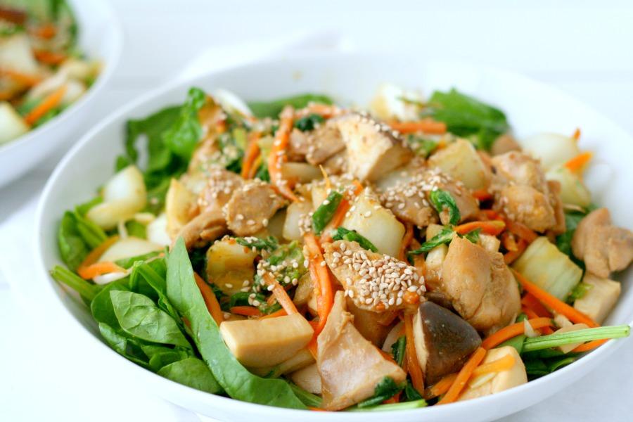 recept salade met kip en Surinaamse pindasaus