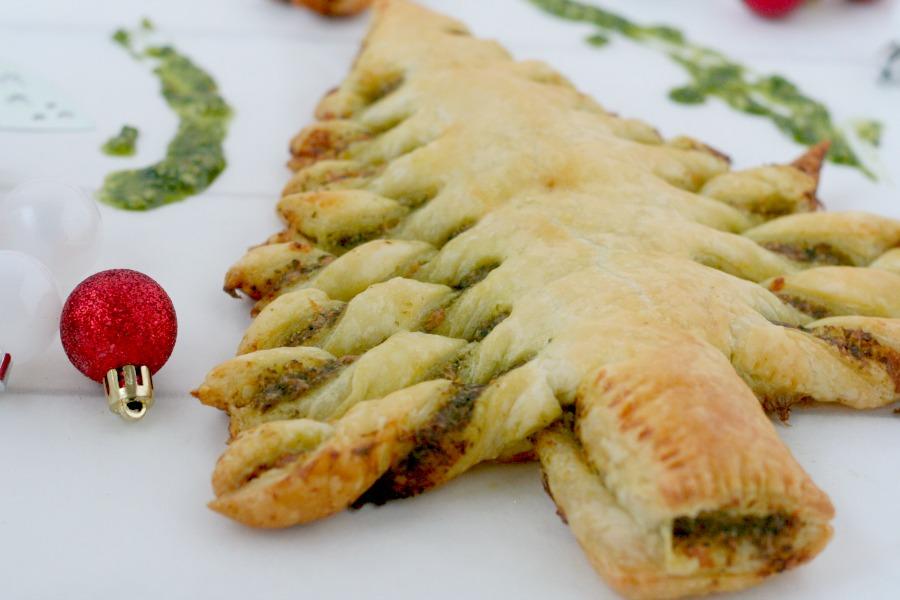 kerstboom bladerdeeg recept tayerblad pesto