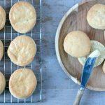 RECEPT: American biscuits à la Popeyes (Suriname)